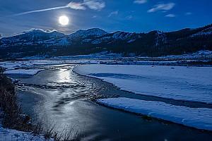 Full Moon on Lamar River
